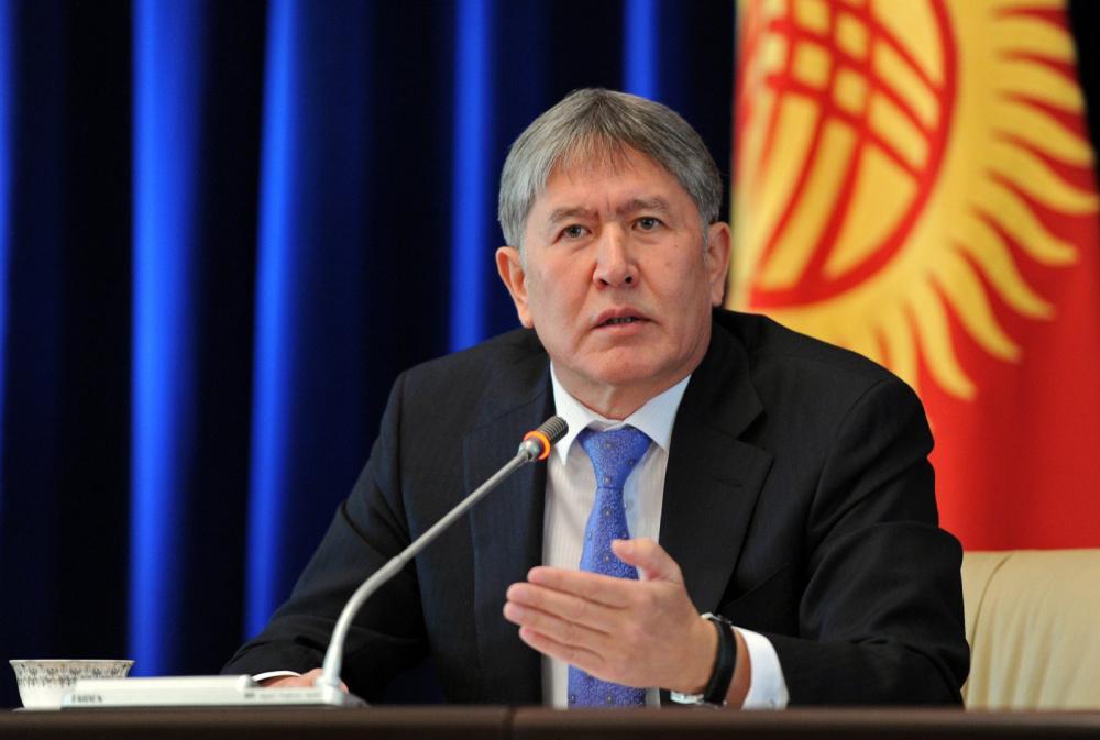 Президент Алмазбек Атамбаев на одном из своих пресс-конференций. Фото: Султан Досалиев
