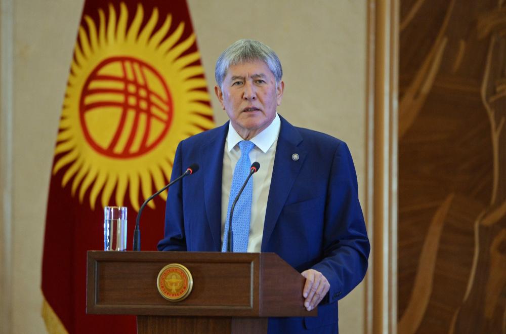 Атамбаев - студентам: о сатане, доверчивом Назарбаеве, подонках в оппозиции