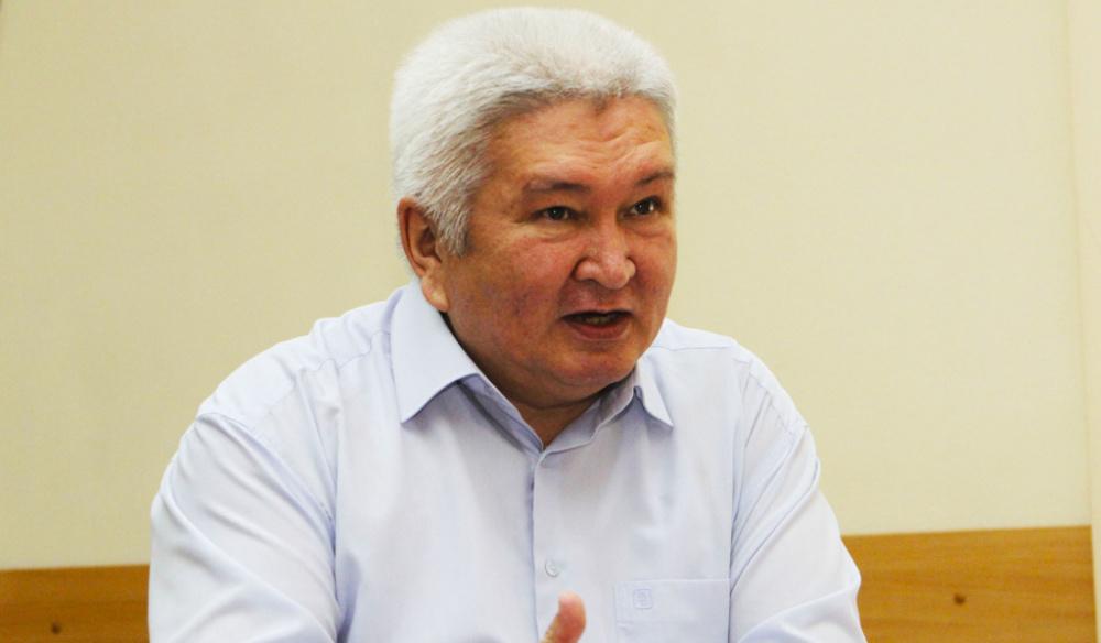 Феликс Кулов: Избрание Атамбаева лидером СДПК выгодно оппонентам партии