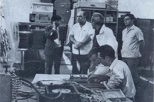 Сотрудники ОКБ ИКИ АН СССР за работой. Фото из открытых источников