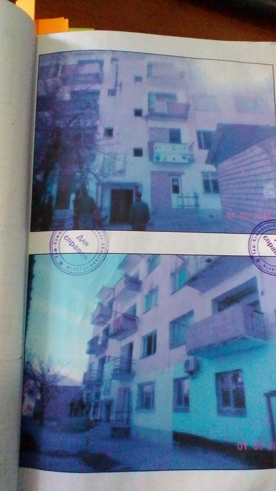 По утверждению обвиняемого, потерпевший выпал с 4-го этажа этого дома