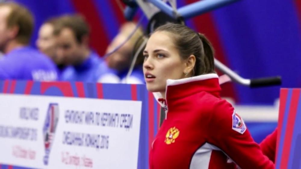 norvezhskaya-sportsmenka-snyalas-v-muzhskom-zhurnale-igrayut-slyunyami