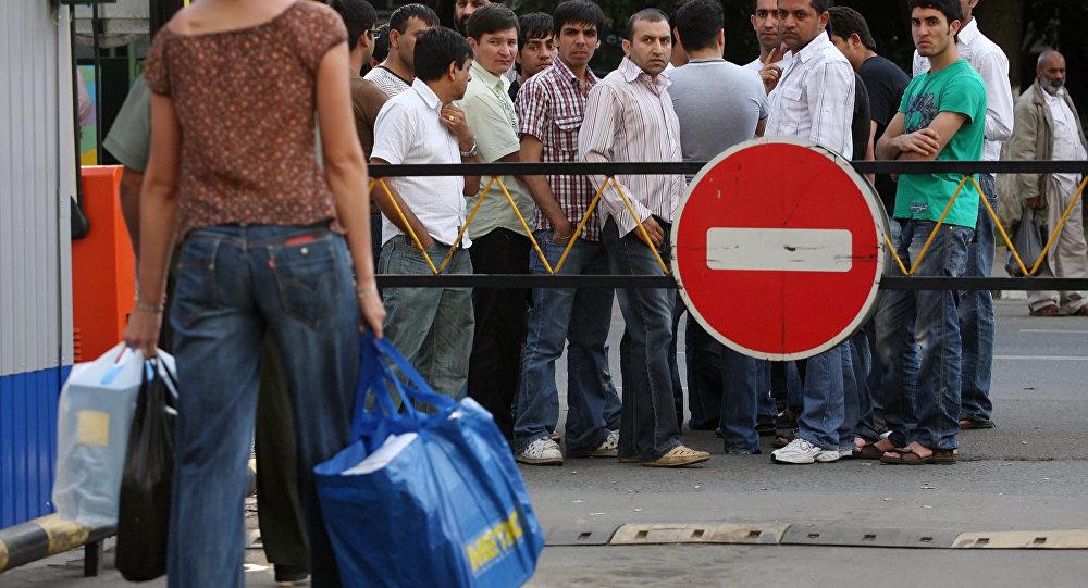 Памятка мигрантам. Как выйти из черного списка в России с помощью амнистии?