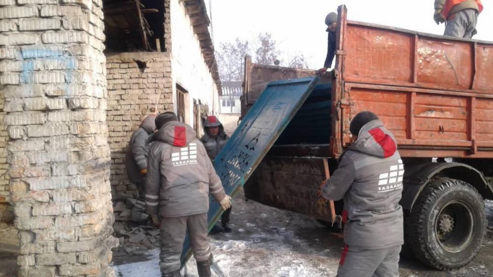 """В Бишкеке демонтируют """"красивые заборы"""", на которые потратили 3,6 млн сомов"""