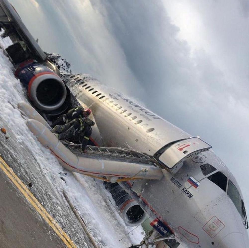 В авиакатастрофе в аэропорту Шереметьево погиб 41 человек. Список уточняется