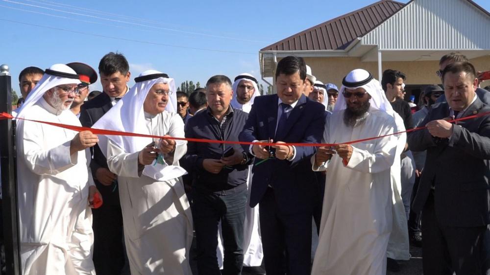 Кувейтский фонд построил дома для 100 нуждающихся семей
