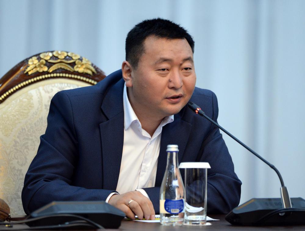 Представители каких СМИ встретились с Жээнбековым? Список