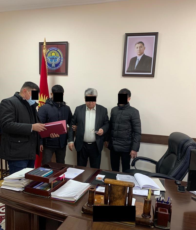 """Директора госучреждения """"Кадастр"""" задержали по делу о незаконных поборах"""