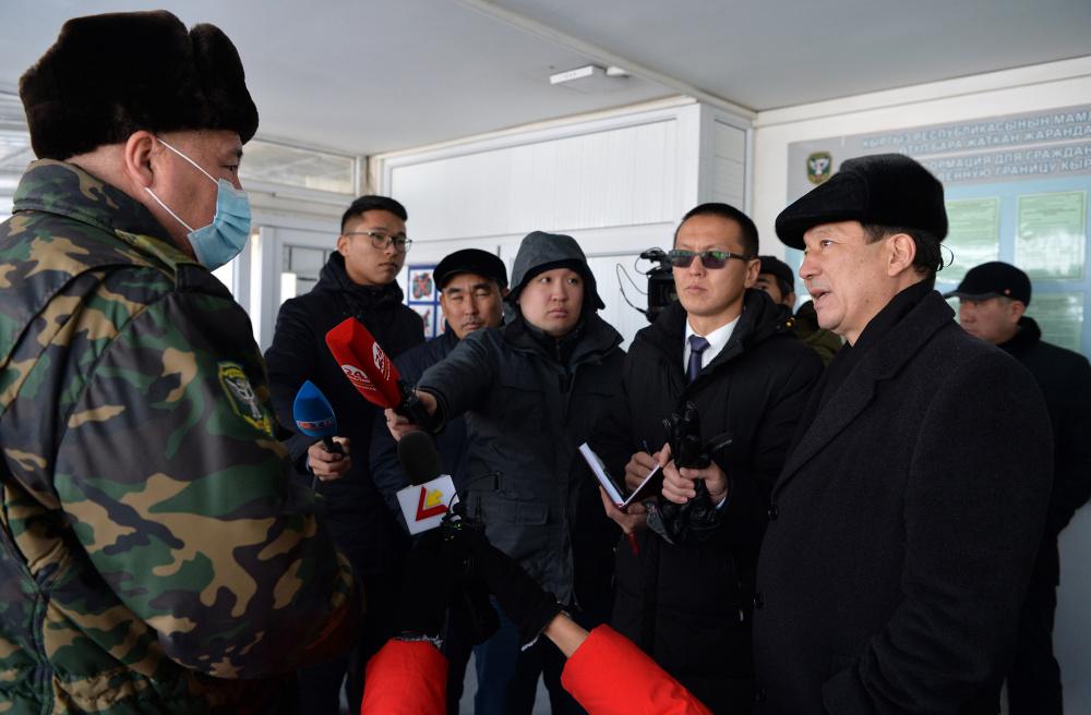 Аманбаев отправился на КПП по поручению Новикова. И тоже нашел признаки коррупции