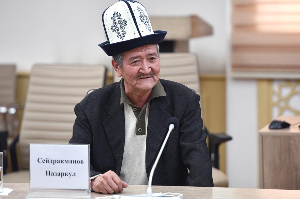 Новикову пожаловались на отсутствие штатной единицы манасчи